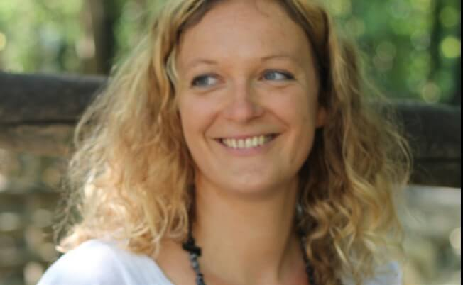 Yvonne  Kraft-Tier-Yoga