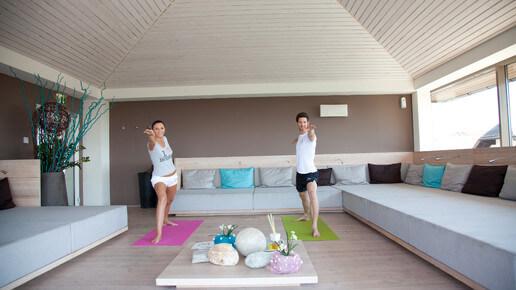 Yoga im Pavillon