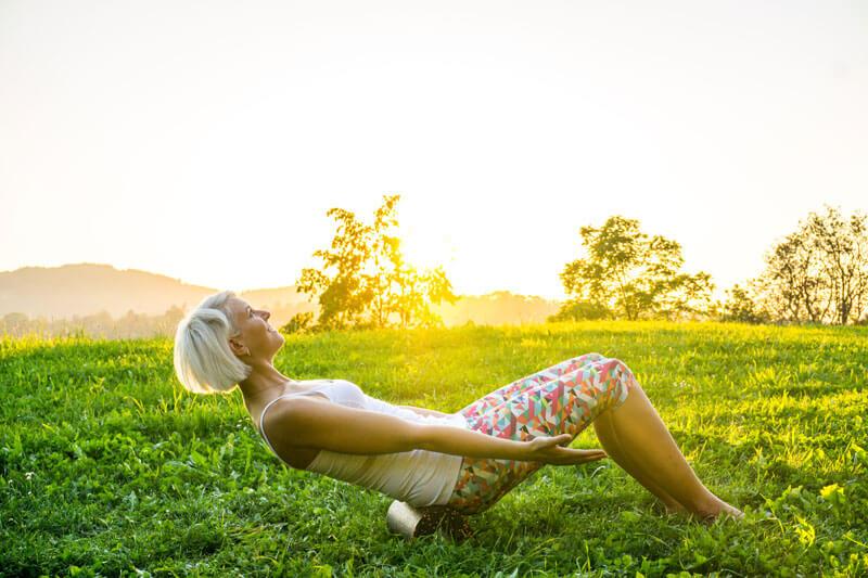 Massage unterer Rücken Faszienrolle