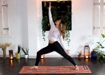 Yoga Reverse Warrior
